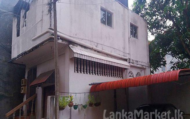 House with Commercial Building in Kelaniya.