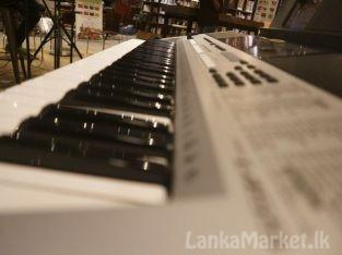 YAMAHA PSR i455 KEYBOARD for sale