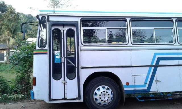 ashok leylend bus 2010