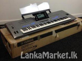 New Yamaha Tyros5 61-Key Arranger Workstation Keyboard