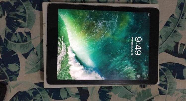 Apple iPad Air (wifi + cellular)