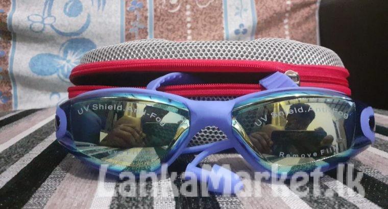 Swimming Googles with Ear plug / Swimming Googles UV Shield Anti-Fog