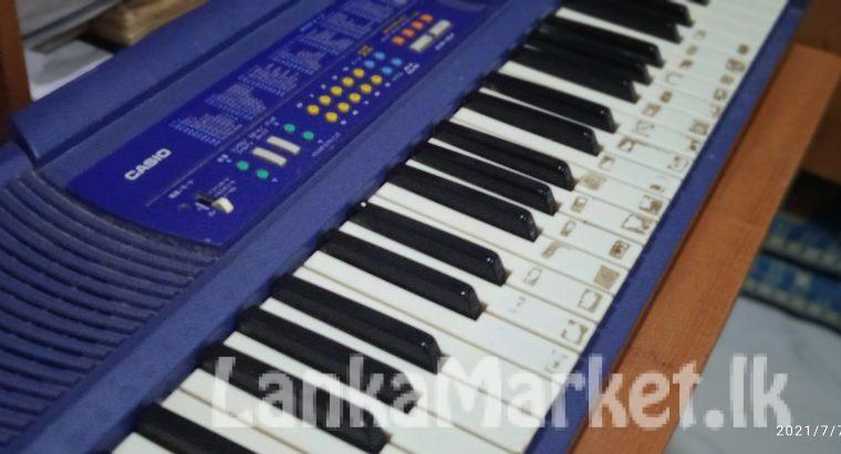 Casio keyboard | used